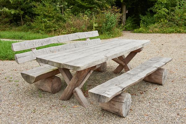 Tisch für Holzbank